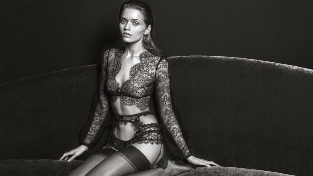 Agent erotic model