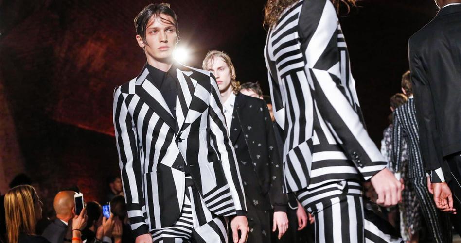 Показ мужской коллекции Alexander McQueen перенесли в Париж